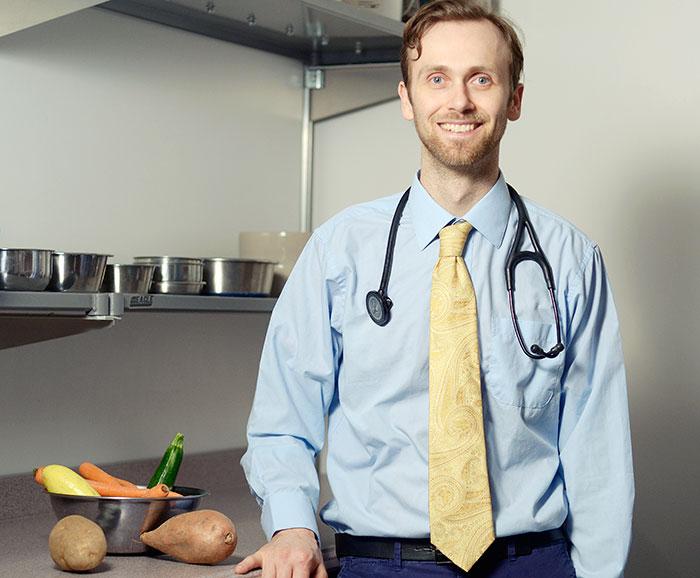 Dr.Justin Shmalberg - NomNomNow dog nutritionist